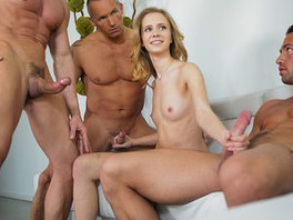 Three Guys Join Rachel James For A Blowbang